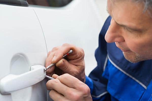 las vegas auto locksmith open car door